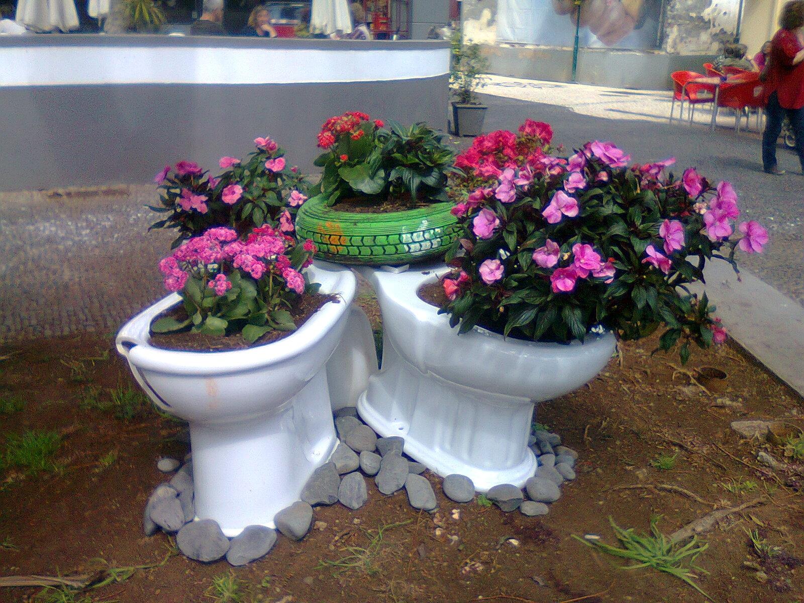 Decoraç u00e3o de Jardim 50 modelos incríveis para voc u00ea se inspirar Fazer em Casa # Decoração De Jardim Com Vasos E Pedras