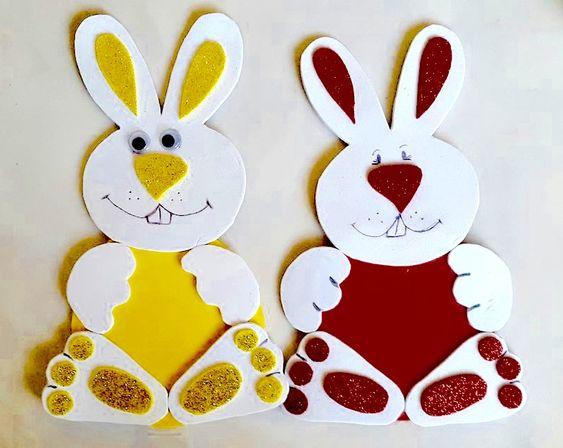 coelho em amarelo e vermelho